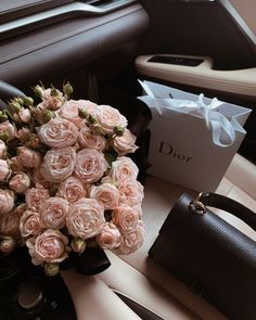 February 23 2020 at fashion-inspo Classy Aesthetic, Pink Aesthetic, Luxury Flowers, Beautiful Flowers, Photowall Ideas, Photo Images, Flower Aesthetic, Girly Things, Flower Arrangements