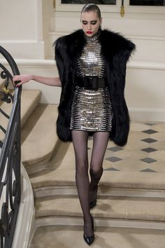 Saint Laurent Fall 2016 Ready-to-Wear Collection Photos - Vogue Saint Laurent 2016, Yves Saint Laurent, Fade Styles, Couture Dresses, Fashion Dresses, Couture Collection, Fashion Show, Fashion Design, Ready To Wear