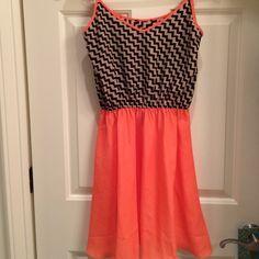 Chevron dress Chevron spring time dress. Peach, black, tan. Adjustable straps Dresses Mini