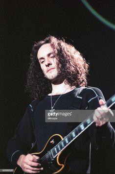 Vivian Campbell, Cmt Music Awards, Phil Collen, Wembley Arena, Rick Savage, Best Guitarist, Joe Elliott, Hard Rock Hotel, Rock Groups