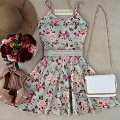 Vestido Alcinha Márcia Rodado No neoprene C/ BOJO( Estampa Flores Baby)…