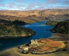 Castle Tioram - Loch Moidart - Scotland (Adrian Warren) (www.lastrefuge.co.uk)