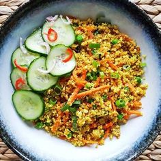 Bloemkool nasi goreng - Powered by Nasi Goreng, Biryani, Low Carb Recipes, Healthy Recipes, Spinach Soup, Indonesian Cuisine, Asian Recipes, Ethnic Recipes, Breakfast Lunch Dinner