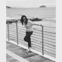 • Dovremmo imparare a vivere con più leggerezza, senza vincoli, zero limiti. Dovremmo vivere quegli attimi, quegli istanti, che sanno svanire e diventare distanti.. • ☀⭐ #funtimes #photooftheday #likeforlike #happyday #fun #life #love #feelgood #nature #picoftheday #instahappy #happydays #laughing #smile #igers #happy #funny #feliz #enjoy #happyhappy #lovelife #instagramers #goodday http://unirazzi.com/ipost/1497304424006049372/?code=BTHfnDJgF5c