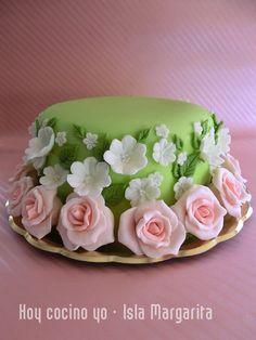 Torta decorada con fondant (Fondant cake)