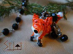 Foxy Fox: durable bright metal wire fox keychain by SiltiCrafts