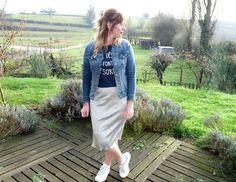 Au cas où vous ne l'auriez pas remarqué, la #jupe #brillante est la tendance de l'hiver ! Julie Gilberte #babou 12€