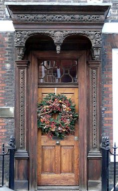 Christmas door At what used to be the residence of Lord Haldane (1856-1928) London