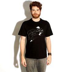 Camiseta 'Nós somos feitos de estrelas' - Catalogo Camiseteria.com | Camisetas Camiseteria.com - Estampa, camiseta exclusiva. Faça a sua moda! Compre mais barato: http://oferta.vc/7@Vt