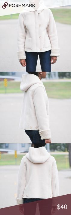 Old Navy tan Eskimo winter hoodie jacket Would make the perfect hoodie. In perfect condition.size medium. Two front pockets.guaranteed to keep you warm. Heavy cotton fur material on the inside Old Navy Jackets & Coats