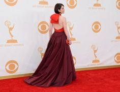 Shopping Bags Style: Michelle Dockery's Arrival In The 2013 Emmy Awards Red Carpet