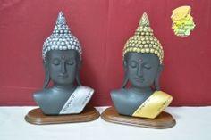 Budas decorados a mano.