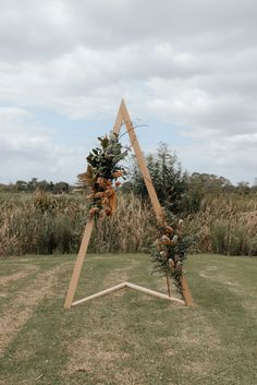 Diy Wedding Arbor, Diy Wedding Backdrop, Wedding Trends, Wedding Styles, Wedding Ideas, Fall Wedding, Country Wedding Arches, Wedding Locations, Wedding Venues