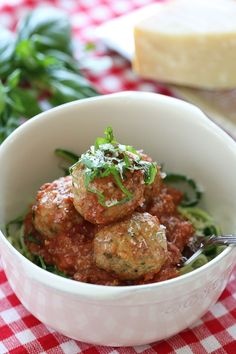 Zoodles and Meatballs (zucchini noodles with slow cooker turkey meatballs) - Skinnytaste Slow Cooker Recipes, Crockpot Recipes, Low Carb Recipes, Cooking Recipes, Healthy Recipes, Cooking Ham, Cooking Beets, Cooking Salmon, Slow Cooker Turkey Meatballs