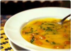 Elvira's Bistrot: Sopa de cenoura com feijão e espinafres