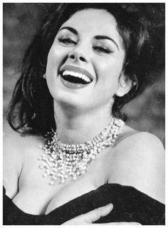 Pussy Hot Sandra Milo (born 1935)  naked (14 images), Snapchat, bra