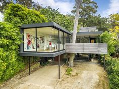 Amazing modernist-inspired house in Bayview, NSW.