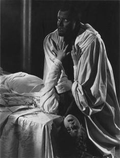 Orson Welles and Gudrun Ure in Othello 1951