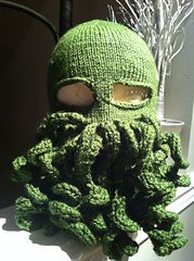 Ravelry: Cthulhu Toque pattern by Sam McKay    My very first pattern design which i made for my brother.
