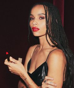 Recently announced that this petite screen siren will be taking on a new beauty role. Zoe Kravitz Named YSL Beaute Global Brand Ambassador! Beauty Secrets, Beauty Hacks, Beauty Essentials, Beauty Tips, Ysl Beauty, Beauty Care, Beauty Products, My Champion, Pelo Afro