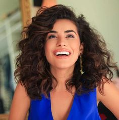 Mane Ambition: Sazan Hendrix Shows How Versatile Curly Hair Can Be