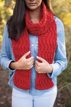 Throw Me a Curve Scarf - Knitting Patterns and Crochet Patterns from KnitPicks.com