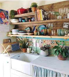 66 Cozy Small Apartment Decorating Ideas On A Budget Ideas for the House Decor, Small Apartment Decorating, Small Kitchen, Kitchen Remodel, Kitchen Decor, House Interior, Sweet Home, Home Kitchens, Kitchen Design