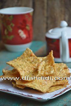 Diah Didi's Kitchen: Tempe Krispi...^^ Tempe Recipe, Tempe Goreng, Sambal Recipe, Indonesian Cuisine, Indonesian Recipes, Cute Snacks, Asian Snacks, Food Test, Savory Snacks