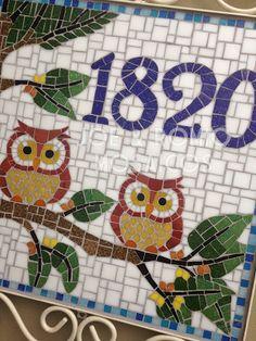 Joe & Romio - Direitos Reservados Owl Mosaic, Butterfly Mosaic, Mosaic Birds, Glass Mosaic Tiles, Mosaic Art, Mosaic Garden, Garden Art, Mosaic Stepping Stones, Beautiful Owl