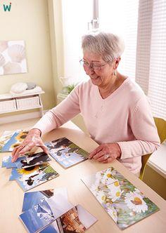 """Jedes dieser ansprechenden Bildmotive ist einmal als großformatige Vorlage und einmal dreigeteilt vorhanden. Ob als #Zuordnungslotto, #Memospiel oder #Puzzle oder einfach als Anstoß für #Gespräche und #Erinnerungen, lässt sich das Spiel """"Find mich!"""" vielseitig einsetzen, sowohl in der Arbeit mit Kindern als auch mit hochbetagten und #demenziell #erkrankten Menschen. ►https://wehrfritz.com/find-mich-gedaechtnistraining-therapie-altenpflege/p/136960_1?zg=therapie_pflege&ref_id=60847"""
