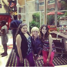 On set of Austin and Ally !