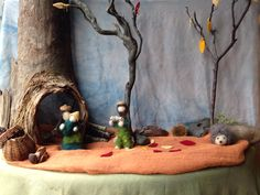 Waldorf Preschool, Waldorf Toys, Small World Play, Nature Table, Autumn Nature, Felt Patterns, Montessori, Projects To Try, November