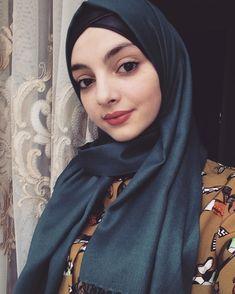 Most Beautiful Share the beauty and love Celebrity Fashion Outfits, Modest Fashion, Hijab Fashion, Celebrity Style, Hijab Niqab, Mode Hijab, Muslim Girls, Muslim Women, Muslim Beauty