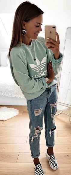 Adorable Fall Outfits To Wear Now gray adidas sweater. Adrette Outfits, Preppy Fall Outfits, Teen Fashion Outfits, Cute Casual Outfits, Winter Outfits, Winter Dresses, Fashion Belts, Womens Fashion, Fashion Ideas
