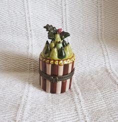 Vintage Villeroy and Boch Porcelain Trinket Box by LaCassoulere
