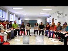 Educación Musical: Percusión en grupos con periódicos - Los comediantes - YouTube