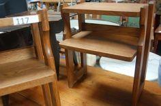 Guillerme et Chambon : paire de tables de chevet en chêne