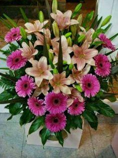 Altar Flowers, Church Flowers, Funeral Flowers, Silk Flowers, Paper Flowers, Large Flower Arrangements, Funeral Flower Arrangements, Dahlia Flower, Flower Art