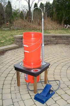 Field Sink-Bring running water to remote locations with this foot pump operated wash station. Perfect for camp or the patio. Ideal for campfire or BBQ grill-side food prep clean-up.