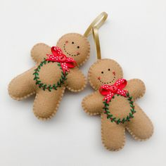 Felt Gingerbread Man Christmas Ornaments by MsMichelley Felt Christmas Decorations, Christmas Ornament Crafts, Christmas Sewing, Felt Ornaments, Christmas Projects, Handmade Christmas, Holiday Crafts, Christmas Stall Ideas, Gingerbread Man Decorations