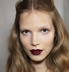 Where are your eyebrows?  Trend beauty FW 2013: http://www.unadonna.it/bellezza/makeup-autunno-inverno/49227/