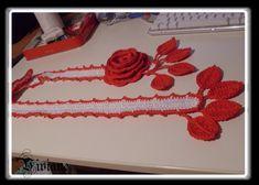 http://make-handmade.com/2012/08/25/crochet-fall-scarf/