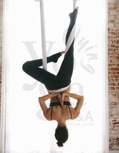 Aerial Yoga D A Flying Yoga Los Angeles - Yoga is a group of physical Aerial Yoga, Aerial Hammock, Aerial Dance, Aerial Silks, Yoga Los Angeles, Ashtanga Yoga, Iyengar Yoga, Air Yoga, Yoga Photography