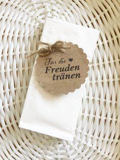 Sie sind auf der Suche nach zauberhaften Freudentränen Taschentüchern für Ihre rustikale bzw. Vintage Hochzeit? ♥♥♥ Die Taschentücher sind 100% handmade in Österreich. Kuschelweiche...
