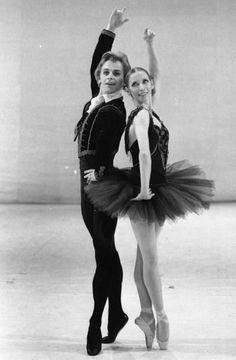 "Natalia Makarova (Kitri) Mikhail Baryshnikov (Basilio) with American Ballet Theatre in ""Don Quixote"""