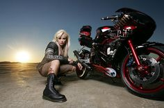 MotoLady — Stunt rider Jessica Maine with her Von Dutch. So cool, not like those ladies posing on bikes they don't even know how to rode...