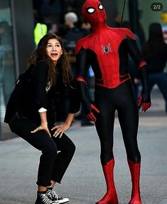 Get the Newest and Stylish Spider-man Far From Home Peter Parker Jacket With Hood. it has amazing detailing from other jackets Available for sale at affordable price. Marvel Comics, Marvel Memes, Marvel Dc, Iron Man Robert Downey, Tom Holland Zendaya, Parker Jacket, Marvel Universe, Tom Holland Peter Parker, Batman Begins