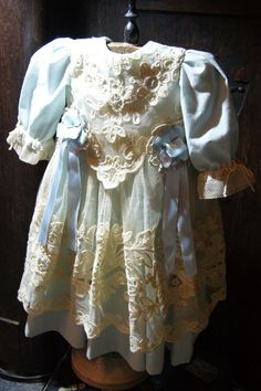 Beautiful dress for France or German antique doll 26-27