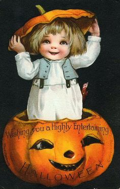 Halloween everyday and all year long! This page is devoted to anything and everything vintage, antique or nostalgic about Halloween! I consider anything vintage to be from the and back. Image Halloween, Halloween Jack, Halloween Prints, Halloween Pictures, Holidays Halloween, Happy Halloween, Halloween Clothes, Costume Halloween, Halloween Profile Pics