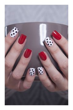 Fake Nails For Teens - Welcome my homepage Pedicure Nail Art, Nail Manicure, Gel Nails, Stylish Nails, Trendy Nails, Cute Pink Nails, Dot Nail Designs, Nagellack Design, Summer Toe Nails